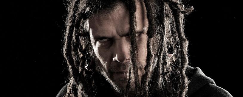 """""""Graveyard Classics IV: The Number Of The Priest"""" - to wszystko mówiący tytuł nowego albumu z przeróbkami deathmetalowców z amerykańskiego Six Feet Under."""