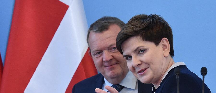 """Inwestycja Baltic Pipe jest strategiczna dla Polski, dzięki niej zwiększy się bezpieczeństwo energetyczne - powiedziała premier Beata Szydło po spotkaniu w Warszawie z premierem Danii Larsem Lokke Rasmussenem. """"Z satysfakcją odnotowuję, że jest zrozumienie dla realizacji tej inwestycji i że dzięki tej inwestycji bezpieczeństwo energetyczne Polski będzie dużo większe"""" – podkreśliła szefowa polskiego rządu."""