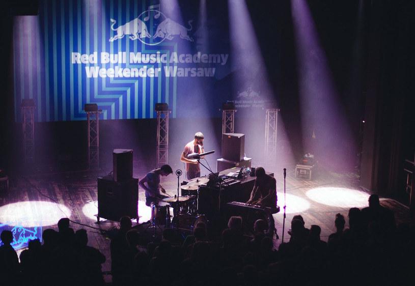 Tegoroczna edycja Red Bull Music Academy Weekender odbędzie się w dniach od 19 do 22 maja w Warszawie. Podczas imprezy wystąpią m.in. Brodka, Wojtek Mazolewski, Ibeyi, Małpa i Zamilska.