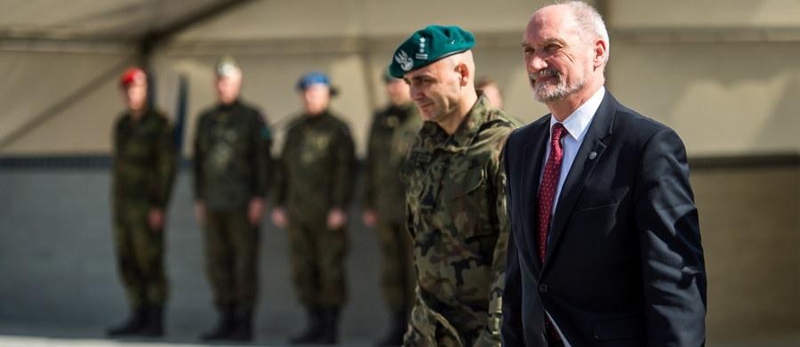 """Minister obrony narodowej Antoni Macierewicz zapowiedział """"zasadniczy wzrost armii, co najmniej 50-procentowy w ciągu najbliższych lat"""". Rozwój nie będzie ograniczony do obrony terytorialnej, ale będzie dotyczyć też jednostek operacyjnych."""