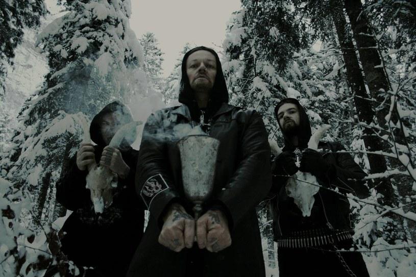 Planowany na 19 kwietnia koncert austriackiej grupy Belphegor w Sankt Petersburgu (Rosja) został odwołany. Wcześniej na lotnisku jeden z aktywistów Narodnego Soboru (chrześcijańsko-nacjonalistyczna organizacja) opluł lidera metalowej formacji - Helmutha Lehnera.