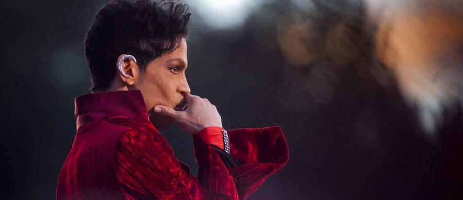 Prince był leczony z powodu przedawkowania narkotyków na 6 dni przed śmiercią – to najnowsze ustalenia amerykańskich mediów, donosi korespondent RMF FM za Oceanem Paweł Żuchowski. W czwartek ciało piosenkarza znaleziono w domu na przedmieściach Minneapolis. Miał 57 lat.
