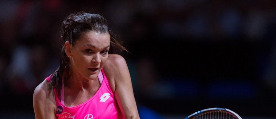 Agnieszka Radwańska awansowała do półfinału turnieju WTA w Stuttgarcie (pula nagród 759 tys. dol.). Rozstawiona z numerem pierwszym polska tenisistka pokonała Czeszkę Karolinę Pliskovą 6:2, 7:6 (10-8). Mecz trwał godzinę i 52 minuty.