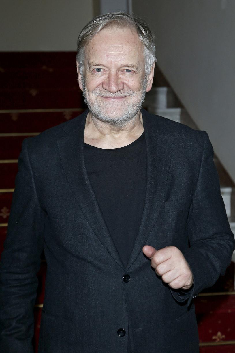 Jego imponujący aktorski dorobek jest niewspółmierny do śladowej liczby nagród, które otrzymywał za swe filmowe kreacje. Jeden z najwybitniejszych polskich aktorów kinowych i teatralnych - Andrzej Seweryn, kończy w poniedziałek, 25 kwietnia, 70 lat.
