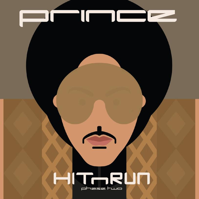"""""""Wydaje mi się, że Prince jest magiczny"""" mówi na końcu 14. odcinka 3. serii serialu """"New Girl"""" Jess Day, czyli Zooey Deschanel. W tym właśnie odcinku Prince nie tylko się pojawił - artysta go całkowicie zdominował, a jego postać popchnęła do działania główne postaci serialu. Prince uczy miłości, mówi """"Nie pozwalam ci się bać"""" i z uroczym uśmiechem prezentuje tresowanego motyla (!). Na końcu odcinka Deschanel śpiewa z Princem piosenkę """"Fallinlove2nite"""", która dopiero miesiąc po premierze w """"New Girl"""" została wydana jako singel. Ten właśnie utwór znalazł się na """"Phase One"""" ostatniego albumu Prince'a i to on nadaje ton całemu krążkowi. Słowa serialowej Jess również nadają ton dwupłytowemu """"HITnRUN"""". Prince jest magiczny."""