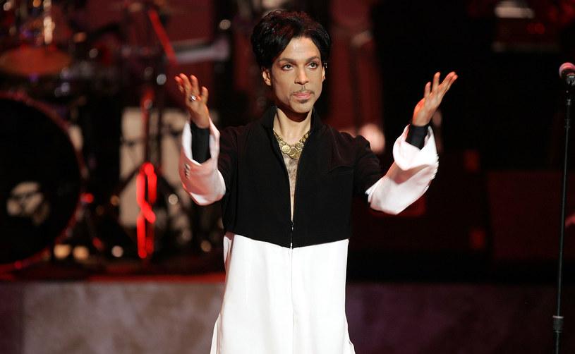 Mimo iż na wyniki sekcji zwłok Prince'a trzeba będzie jeszcze poczekać, nieoficjalnie mówi się, że w organizmie muzyka w momencie śmierci znajdował się Percocet, silny lek przeciwbólowy.