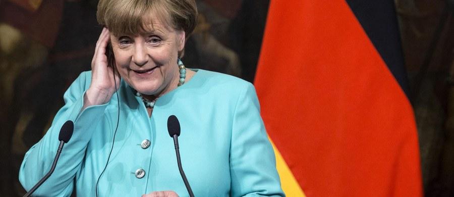 Spór o politykę migracyjną między CDU kanclerz Angeli Merkel a bawarską CSU może odbić się negatywnie na wyniku obu tworzących jeden klub parlamentarny ugrupowań w wyborach do Bundestagu w 2017 roku. CSU grozi, że będzie prowadzić własną kampanię wyborczą.