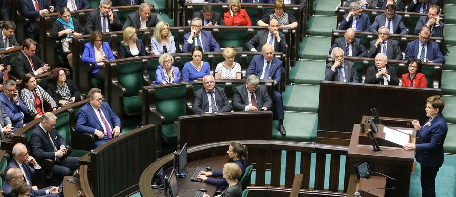 PiS zrobił happening polityczny, było mówienie o tym, jak było źle. Audyt powinien być w formie pisemnej, powinny być daty, sumy, nazwiska - ocenił poseł Kukiz'15 Marek Jakubiak, komentując prezentowany w Sejmie przez rząd Beaty Szydło raport nt. 8 lat rządów koalicji PO-PSL.