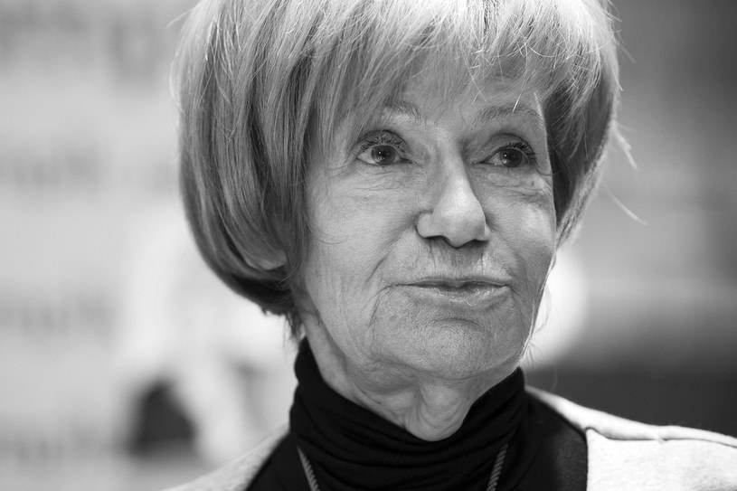 Maria Czubaszek nie żyje - poinformował w czwartek wieczorem TVN24. Pisarka i satyryk, autorka tekstów piosenek, felietonistka i dziennikarka zmarła w wieku 76 lat.
