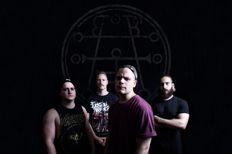 Deathcore'owa załoga Aversions Crown z dalekiej Australii wystąpi w październiku w Poznaniu.