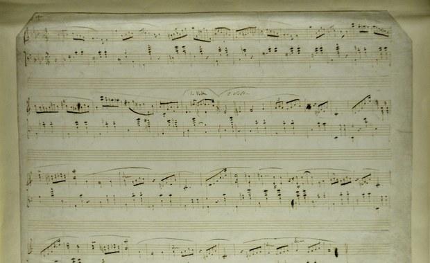 """Na amerykańskich aukcjach pojawiły się rękopisy Fryderyka Chopina, które zostały nielegalnie wywiezione z kraju. Możemy je bezpowrotnie utracić - alarmuje """"Rzeczpospolita""""."""