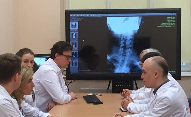 Dla czterech pacjentów w śpiączce, w tym córki Ewy Błaszczyk, będzie to szansa na poprawę stanu zdrowia. Już we wtorek w Szpitalu Uniwersyteckim w Olsztynie przeprowadzone zostaną eksperymentalne operacje wszczepienia stymulatorów.