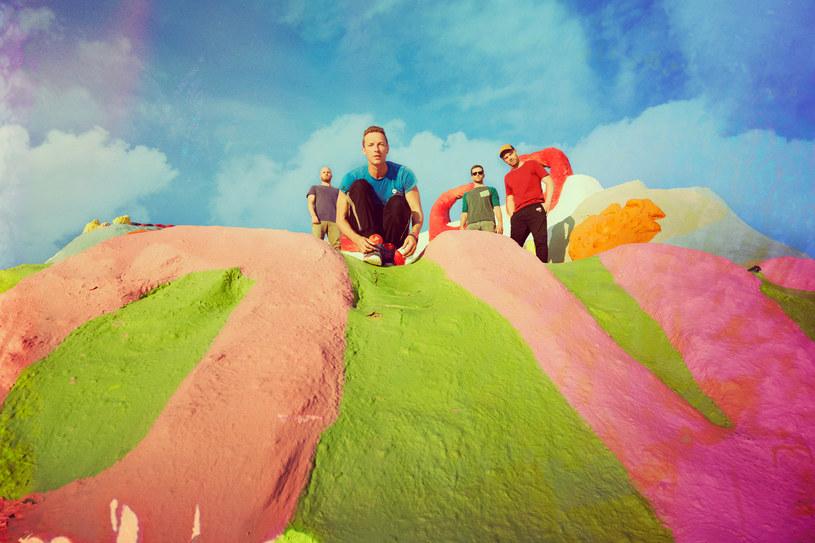 """Grupa Coldplay zaprezentowała imponujący teledysk do najnowszego singla - """"Up & Up"""". Efekty możecie zobaczyć poniżej."""