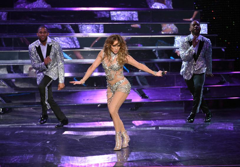 Jennifer Lopez nie ma szczęścia w doborze prywatnych imprez. Tym razem skandal wywołał jej wstęp dla szefów Qatar Airlines. Przeciwko jej koncertowi protestowali m.in. członkowie związku zawodowego obsługi lotów (Association of Flight Attendats).