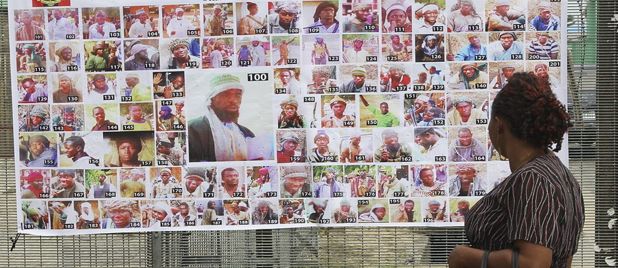 W Nigerii uwolniono kolejną uczennicę uprowadzoną przez Boko Haram w kwietniu 2014 roku z liceum Chibok na północnym wschodzie Nigerii - poinformował rzecznik nigeryjskich sił zbrojnych Sani Usman. Oprócz niej uwolniono także 96 innych zakładników.