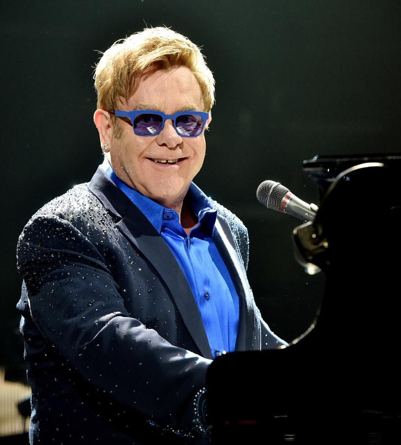 Mimo wcześniejszej propozycji, jaką Elton John wystosował do Władimira Putina, wokalista nie spotka się z prezydentem Rosji podczas swojej wizyty w Moskwie.