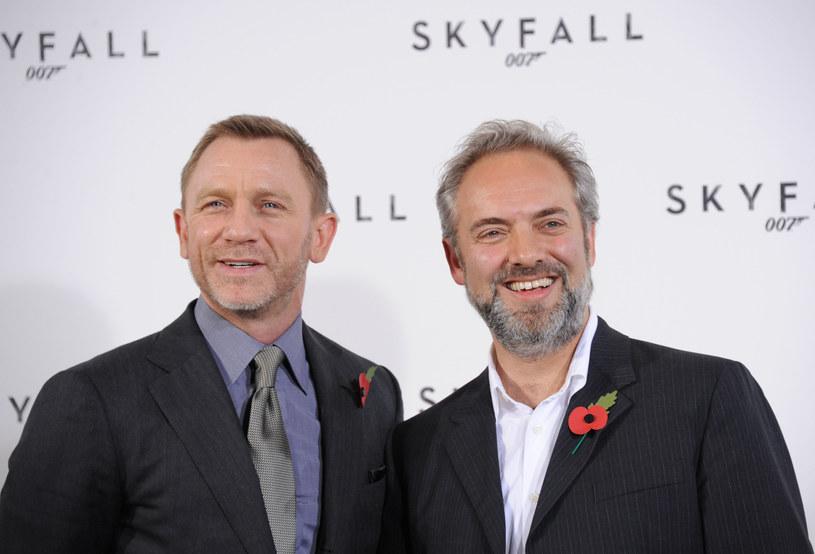 """Sam Mendes, reżyser filmów """"Skyfall"""" i """"Spectre"""", zrezygnował z nakręcenia kolejnego Bonda. Jak mówi, chciałby zająć się nowym projektem, dać szansę komuś innemu, a także, że to najlepszy moment, by zakończyć przygodę z agentem 007. Jego słowa cytuje """"Hollywood Reporter""""."""