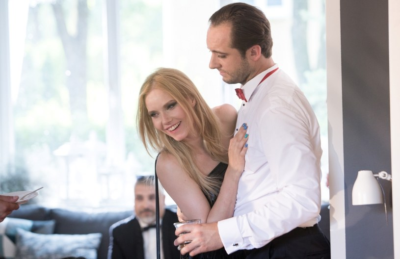 Co łączy Angelinę Jolie, Nicole Kidman, Kristen Bell i Romę Gąsiorowską-Żurawską? Talent, uroda, energia, wykonywany zawód oraz fakt, że każda z aktorek wystąpiła w filmie razem z małżonkiem.