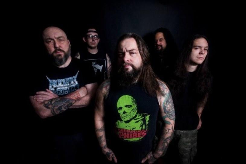 Amerykańska formacja Ringworm zarejestrowała ósmą płytę.