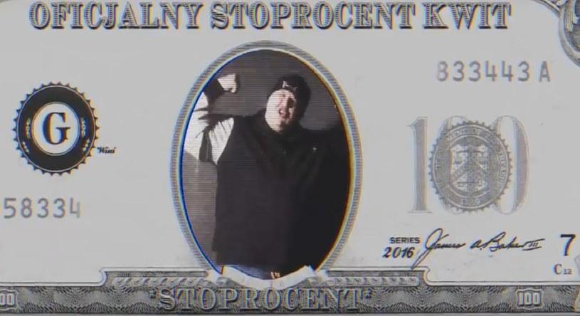 """Raper związany z wytwórnią Stoprocent zaprezentował remiks jednego z najpopularniejszych utworów Taco Hemingwaya """"6 zer""""."""