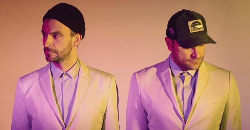 """2 lata po premierze platynowego albumu """"Mamut"""", Fisz Emade Tworzywo powracają z nową płytą. Album """"Drony"""" ukaże się 21 października."""