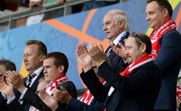 To historyczne zwycięstwo - tak prezydent Andrzej Duda nazwał wczorajszy mecz, podczas którego polscy piłkarze pokonali Irlandię Północną 1:0. Bramkę dla polskiej drużyny zdobył Arkadiusz Milik w 51. minucie meczu rozegranego w Nicei.