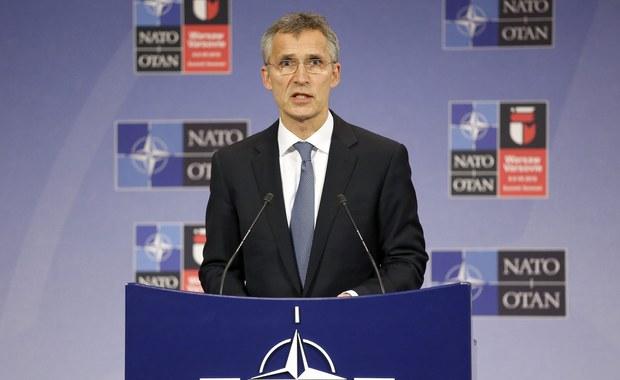 Obradujący w Brukseli ministrowie obrony państw NATO potwierdzili decyzje o wzmocnieniu wschodniej flanki Sojuszu i rozmieszczeniu czterech batalionów w Polsce i krajach bałtyckich - poinformował sekretarz generalny NATO Jens Stoltenberg.