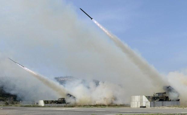 Korea Północna wystrzeliła ze wschodniego wybrzeża pocisk balistyczny średniego zasięgu. Pocisk spadł na ziemię zaraz po starcie - poinformowały południowokoreańskie źródła wojskowe. Amerykańskie dowództwo lotnictwa Pacyfiku podało, że odnotowało tę próbę.