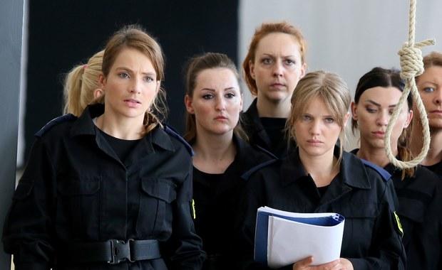"""Zakończyliśmy zdjęcia do filmu """"Pitbull. Niebezpieczne kobiety"""" - poinformował na Facebooku reżyser Patryk Vega. Obraz ma wejść do kin w listopadzie."""