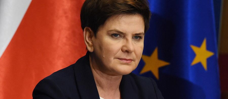 Wielka Brytania zobowiązała się do tego, że wszystkie prawa nabyte przez polskich obywateli zostaną zachowane - podkreśliła premier Beata Szydło po spotkaniu przywódców 27 państw UE w Brukseli. Premier zaznaczyła podczas konferencji prasowej, że Wielka Brytania pozostaje dla Polski strategicznym partnerem w kwestiach gospodarczych i bezpieczeństwa. Mówiła też o obywatelach polskich mieszkających i pracujących w Wielkiej Brytanii.