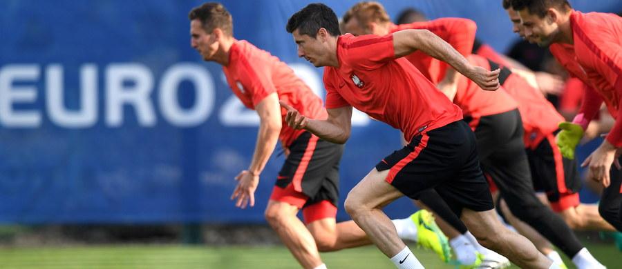 To będzie spotkanie zacięte i wyrównane - przewidują portugalscy eksperci przed meczem ich reprezentacji z drużyną Adama Nawałki. Walka o miejsce w półfinale rozpocznie się w czwartek o 21. Polscy i portugalscy piłkarze zmierzą się na stadionie w Marsylii.