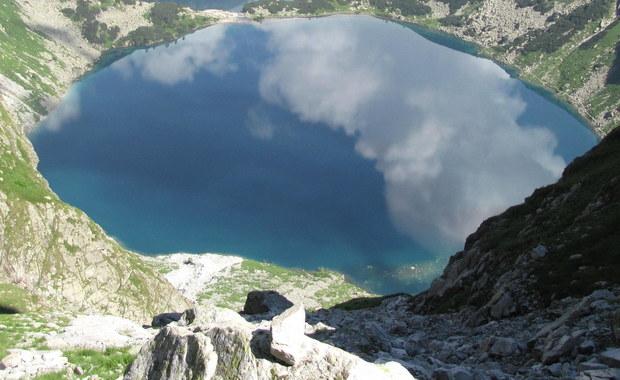 Od poniedziałku do 2 sierpnia w Tatrach otwarte będzie tylko jedno wysokogórskie przejście graniczne - szlakiem przez Rysy (2499 m n.p.m.) - przypomina Straż Graniczna. Pozostałe przejścia przez ten czas będą zamknięte, a pogranicznicy będą patrolować szlaki.