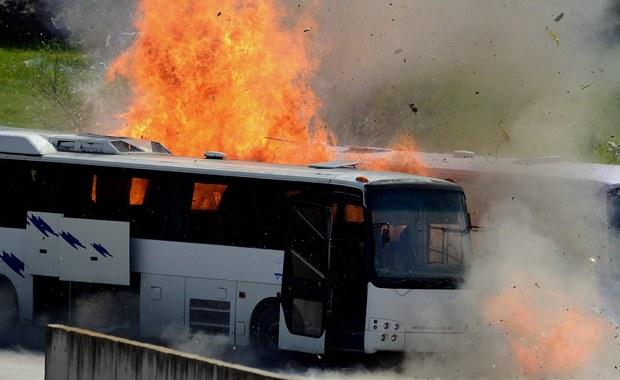 Izraelski sad orzekł w poniedziałek karę potrójnego dożywocia i 60 lat więzienia dla palestyńskiego zabójcy trzech osób. Mężczyzna zaatakował 12 października w autobusie w Jerozolimie - podał portal Debka. Serwis powiązany jest z izraelskim wywiadem wojskowym.