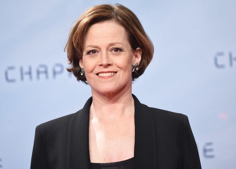 """Sigourney Weaver ujawniła, iż kolejna część serii sci-fi """"Obcy"""" zerwie ze swoimi poprzednikami i przedstawi inną wizję wydarzeń pokazanych w dwóch kontynuacjach: """"Obcym 3"""" (1992) i """"Obcym: Przebudzenie"""" z 1997 roku."""