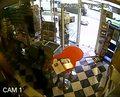 Pies udaremnił napad na sklep