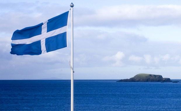 """Szkocki poseł do brytyjskiej Izby Gmin Stephen Gethins powiedział PAP, że brytyjska premier Theresa May """"musi zrozumieć, że Szkocja chce pozostać w Unii Europejskiej"""". Precedens Grenlandii pokazuje, że """"istnieje wiele rozwiązań""""- podkreślił."""