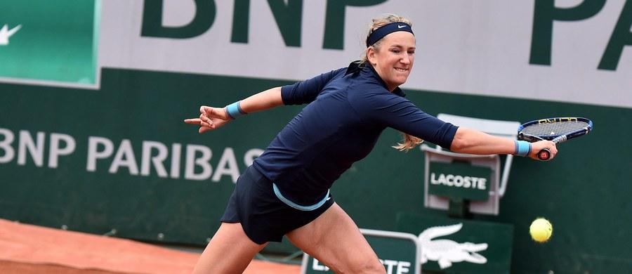 Białoruska tenisistka Wiktoria Azarenka potwierdziła, że jest w ciąży i w tegorocznym sezonie zawiesza sportową karierę. Po urodzeniu dziecka - jak zapewnia - wróci na korty.