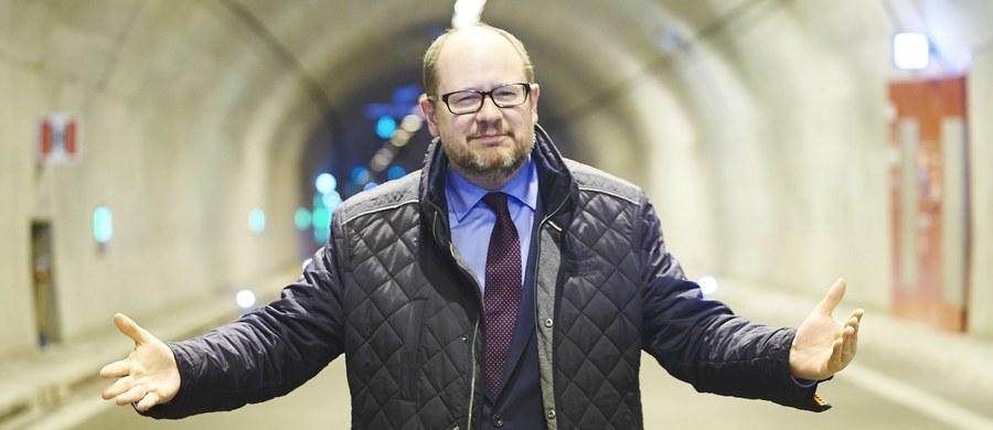 """W nowym wydaniu """"wSieci"""" dziennikarze tygodnika odsłaniają kulisy powstania imponującego majątku prezydenta Gdańska, Pawła Adamowicza i jego rodziny - szokuje nie tylko jego wartość czy pochodzenie, ale także sposób działania prokuratury i sądów w tej sprawie."""