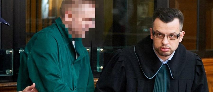 """Marcin P. chciałby być przesłuchany przez komisję śledczą do spraw Amber Gold - przyznaje w rozmowie z RMF FM jego obrońca, Michał Komorowski. """"Nie wypowiadałby się jednak w tych kwestiach, które mają znaczenie dla oceny jego zachowania jako przestępstwa"""" - mówi adwokat. """"Według mojej wiedzy takiej ochrony nie było"""" – stwierdza pytany o podnoszone przez niektórych posłów wątki dotyczące ochrony Amber Gold przez przedstawicieli instytucji państwowych."""