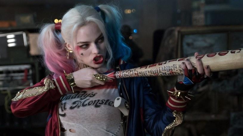 """Podczas prac nad """"Legionem samobójców"""" Margot Robbie uległa wypadkowi. 26-letnia aktorka, która w filmie wciela się w Harley Quinn, uderzyła się kijem bejsbolowym w twarz."""
