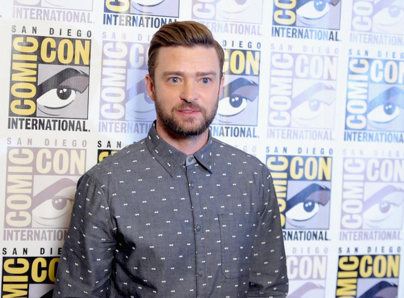 Jeden z fanów wokalisty chciał nawiązać z nim bliski kontakt. Z tego też powodu dotknął go w szyję, co nie spodobało się gwiazdorowi. Sympatyk talentu Timberlake'a szybko został aresztowany.