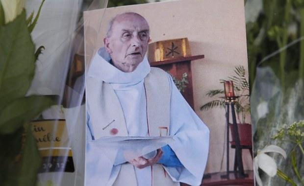 Francuska prokuratura ustaliła tożsamość drugiego zamachowca, który we wtorek w kościele w Normandii brał udział w brutalnym zabójstwie księdza. To 19-letni Abdel Malik Nabil Petitjean urodzony w Wogezach na wschodzie Francji.