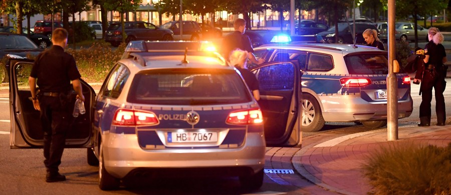 Policja w Niemczech zatrzymała 15-letniego chłopaka podejrzanego o planowanie masakry – informują niemieckie media. Nastolatek został zatrzymany w swoim domu w Ludwigsburg.