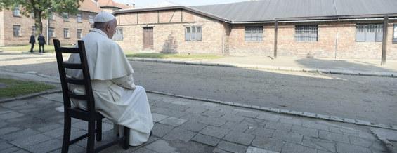 Wizyta Franciszka w Auschwitz. Najciekawsze zdjęcia