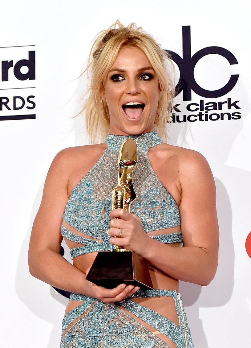 Britney Spears, podobnie jak Rihanna, zrobiła psikusa amerykańskiemu prezenterowi Jimmy'emu Kimmelowi, wchodząc w środku nocy do jego sypialni.