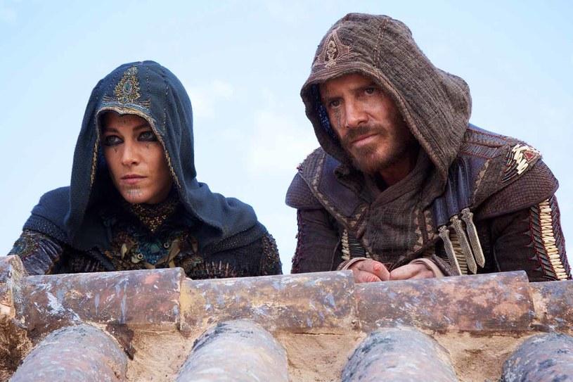 """Jakiś czas temu Warner Bros ogłosił powstanie nowego filmu z serii """"Tomb Raider"""", w którym Angelinę Jolie zastąpi tegoroczna zdobywczyni Oscara - Alicia Vikander. Poza tym pod koniec roku do kin trafi długo oczekiwana produkcja studia Ubisoft Montreal """"Assassin's Creed""""."""
