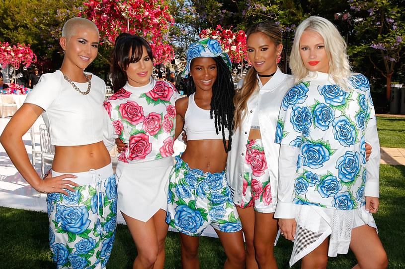 """Grupa G.R.L. powraca na scenę, dwa lata po śmierci jednej z wokalistek girlsbandu. Przypomnijmy, że do tragicznego wydarzenia doszło we wrześniu 2014 roku w Los Angeles. 25-letnia Simone Battle, uczestniczka amerykańskiej edycji """"X Factor"""", popełniła samobójstwo w swoim domu w zachodnim Hollywood."""
