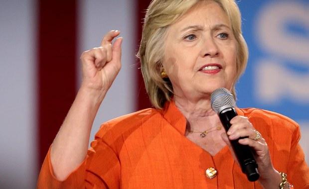 Podniosę podatki dla najbogatszych i stworzę 10 mln nowych miejsc pracy - zapowiedziała kandydatka Demokratów do Białego Domu Hillary Clinton, na spotkaniu z wyborcami w Kissimmee na Florydzie. Słowa byłej Pierwszej Damy są wyraźną polemiką z Donaldem Trumpem.
