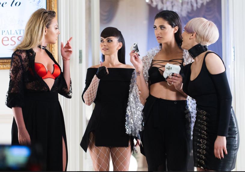 """Ponad 4 mln odsłon ma już opublikowany na początku czerwca wakacyjny teledysk """"Call the Police"""" - debiut rumuńskiej supergrupy G Girls."""