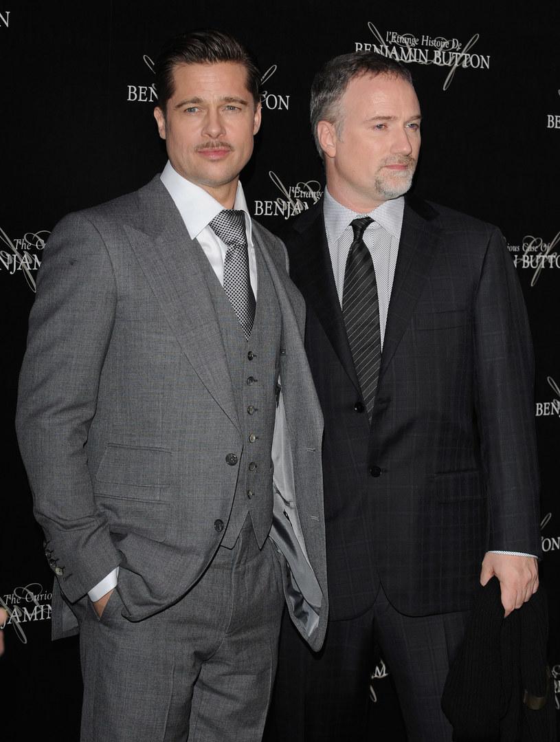 """Po stracie reżysera J.A. Bayony (""""Niemożliwe"""") wszystko wskazywało na to, że druga część przeboju sci-fi """"World War Z"""" nie powstanie. Jednak gwiazdor filmu Brad Pitt zaangażował do projektu swojego przyjaciela - Davida Finchera (""""Zaginiona dziewczyna"""")."""